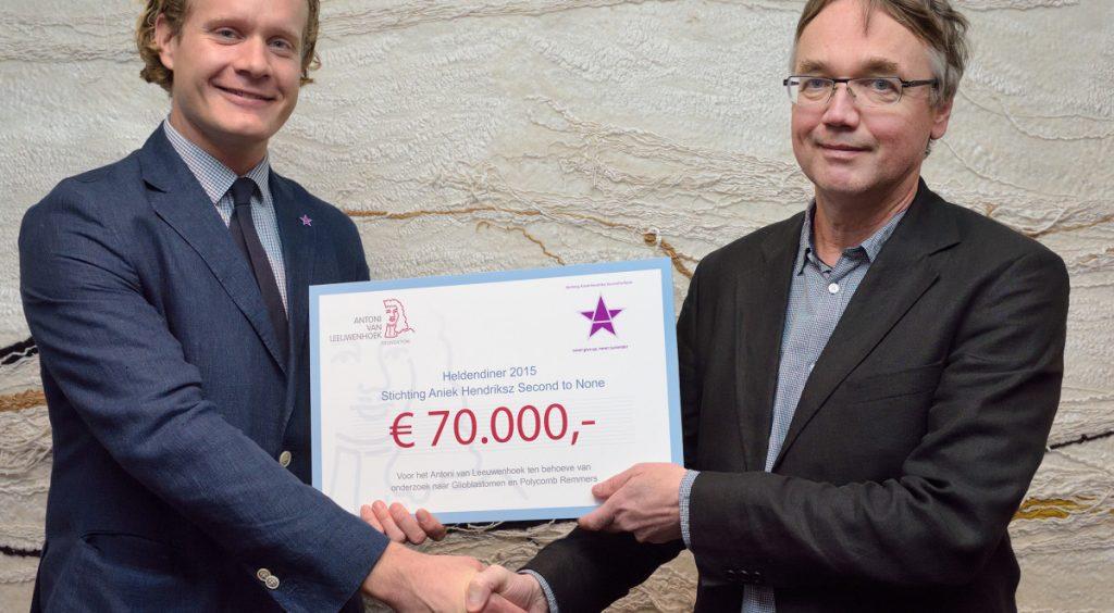 Uitreiking cheque €70.000 opbrengst Het Heldendiner 2015 aan AVL